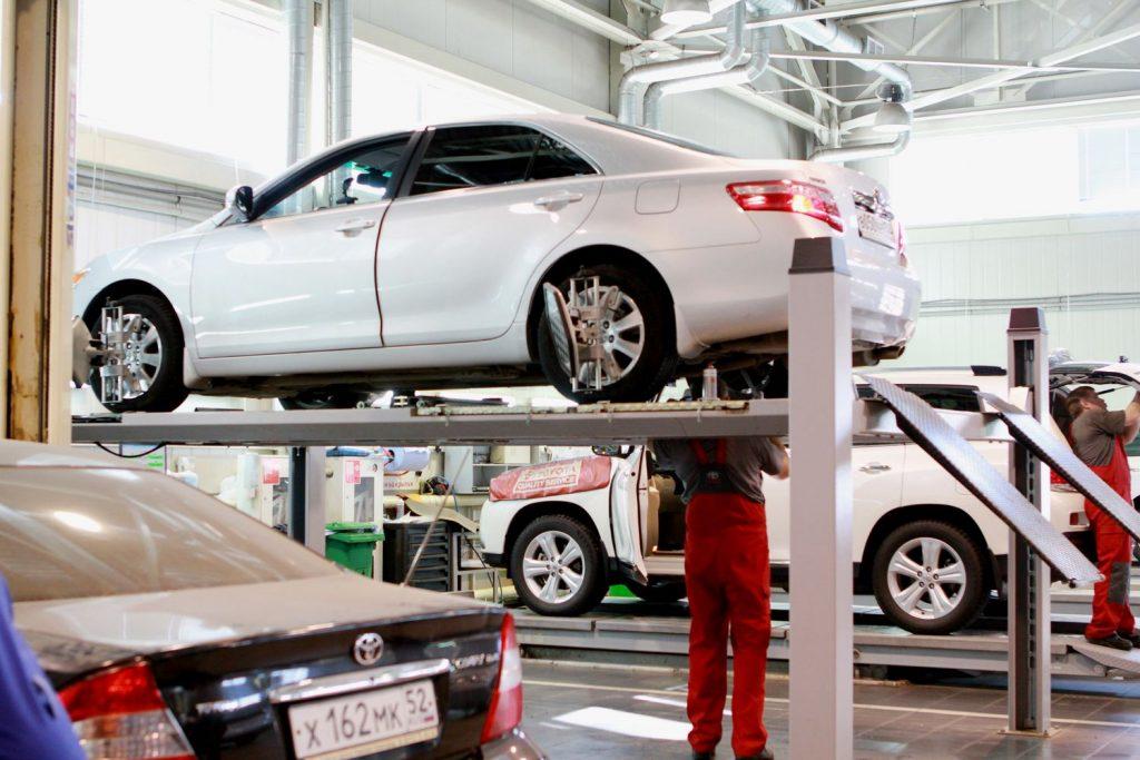 Обслуживание Toyota у официального дилера фото