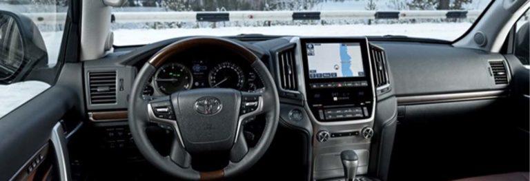 Каков расход топлива у Toyota Land Cruiser 200 на дизельном и бензиновом двигателях