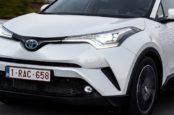 Обзор, «резвого как хэтчбек», кроссовера Тойота C-HR Hybrid 1.8 G