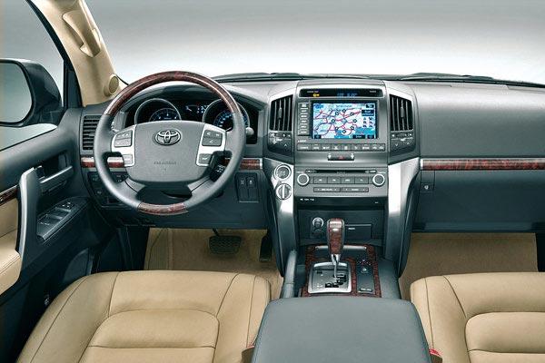 Toyota Land Cruiser интерьер